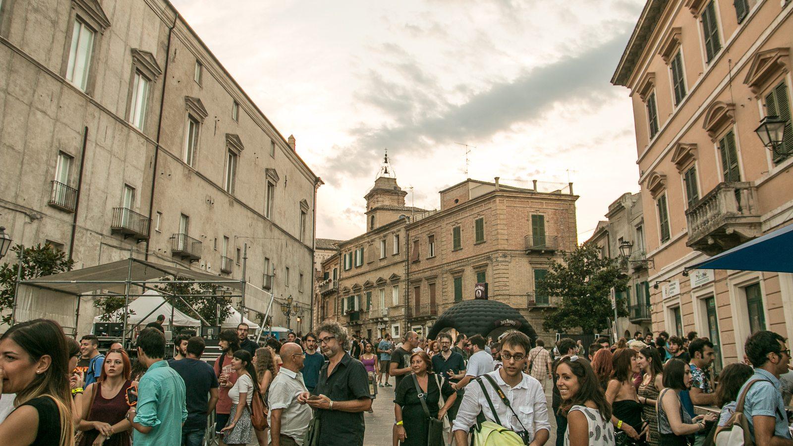 The Scene Indie Rock On The Adriatic Sea Vasto Siren
